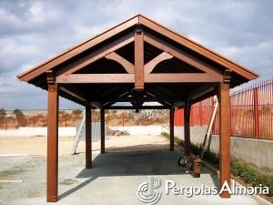 P rgolas a dos aguas for Como hacer un techo a cuatro aguas