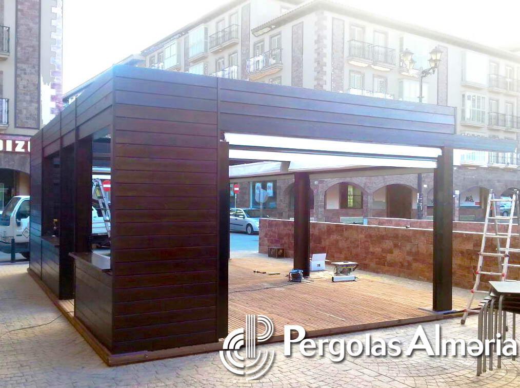 Toldos de madera para terrazas protegida por las plantas - Toldo de madera ...