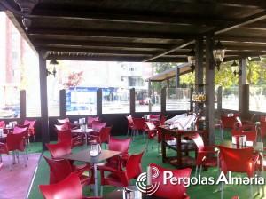 Sombraje de madera para terraza de cafeteria